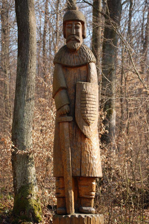 фото деревянного воина