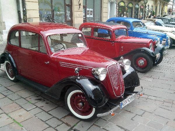 фото красного авто