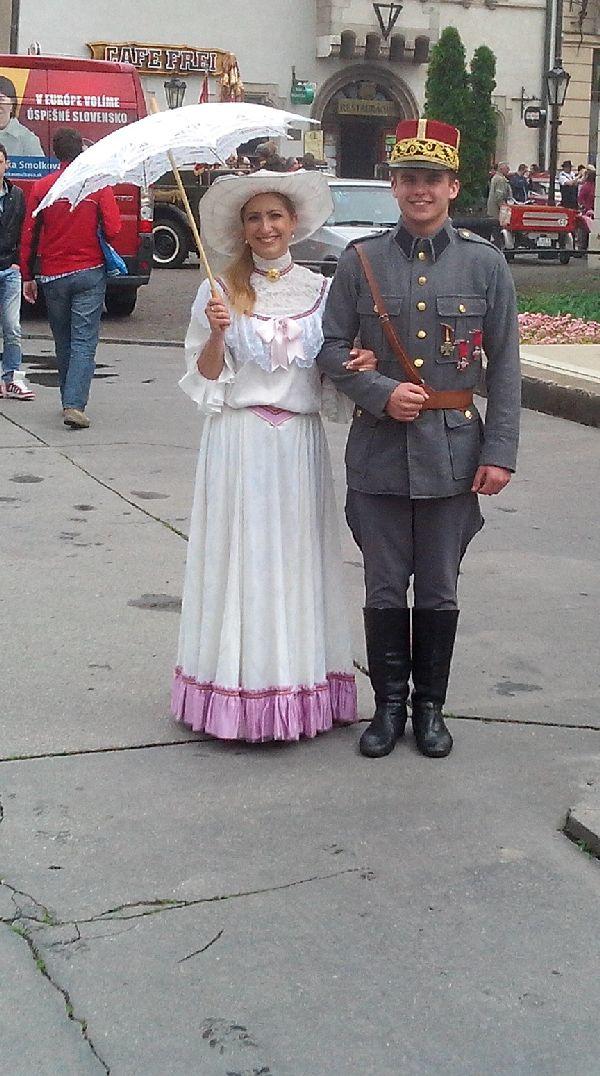 фото солдата и дамы