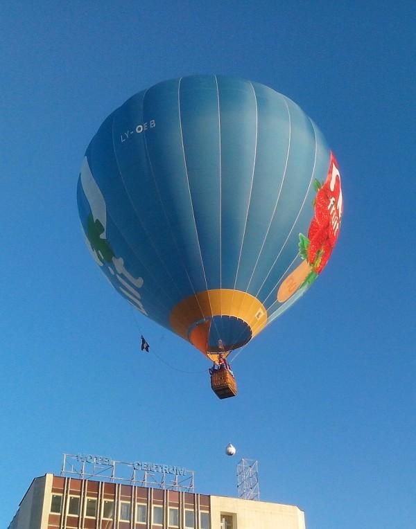 фото взлетающего шара