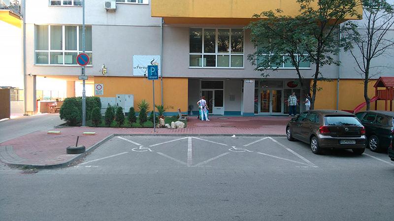 фото парковочных мест для инвалидов