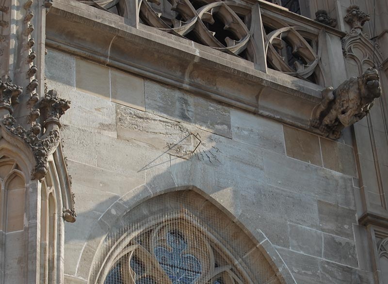 Солнечные часы на Соборе Святой Елизаветы в Кошице
