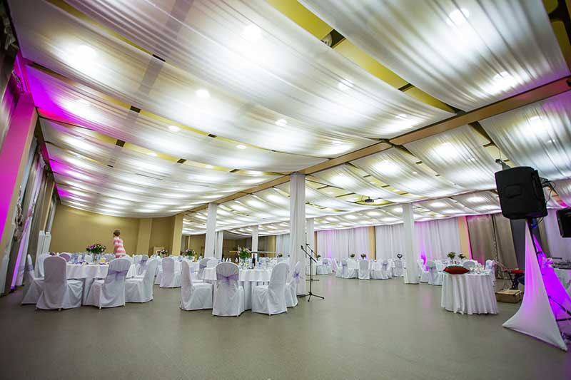 Зал для школьного выпускного в Словакии